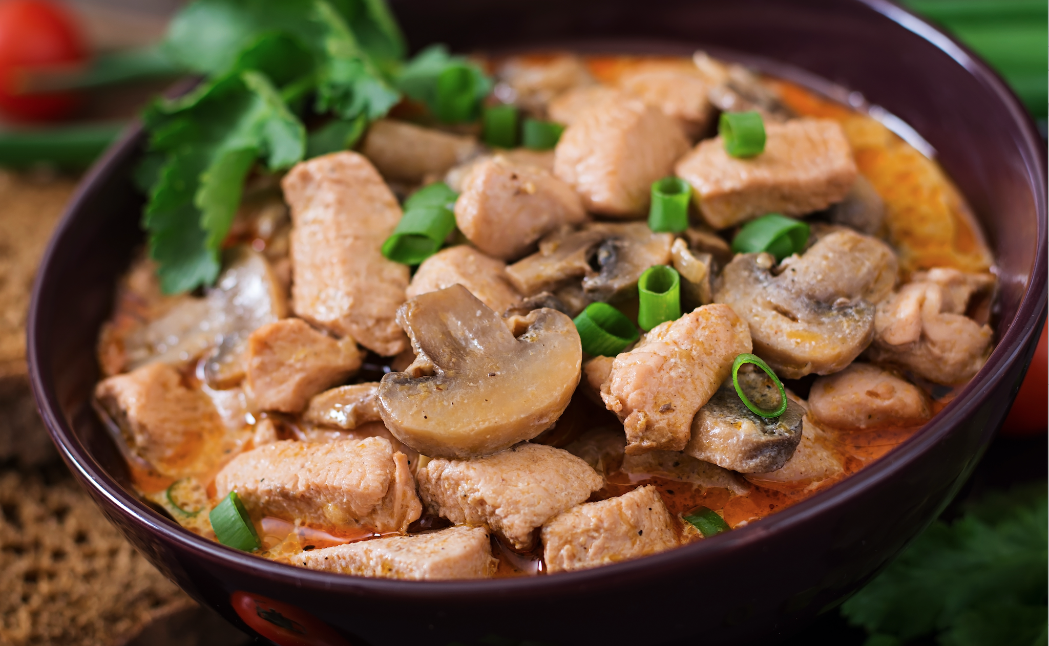 How to make delicious chicken goulash